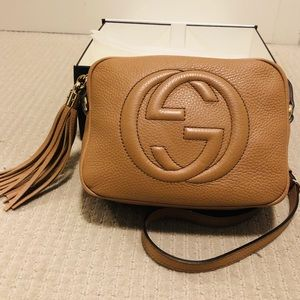 GUCCI Pebbled Calfskin Small Soho Disco Bag Beige